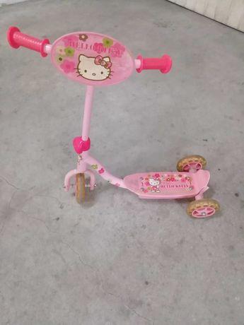 Trotinete Hello Kitty