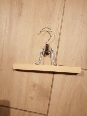 Wieszak drewniany na spódnice spodnie Opatów - image 1