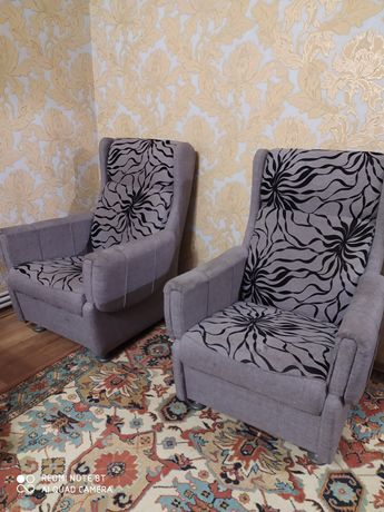 Продажа  диван и 2 кресла.