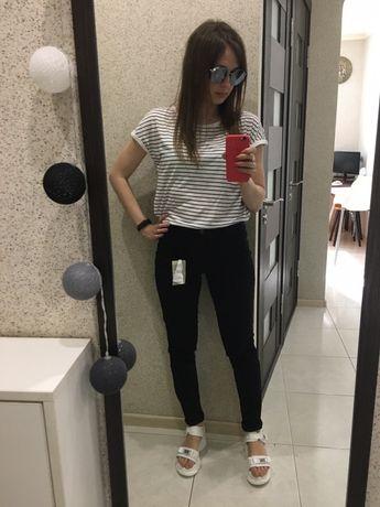 Базовые черные джинсы