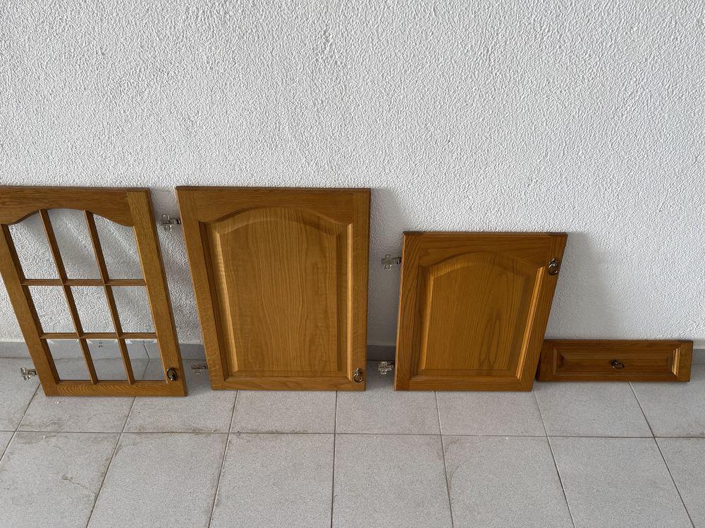 Cozinha - Portas armario e bancada e frentes gavetas