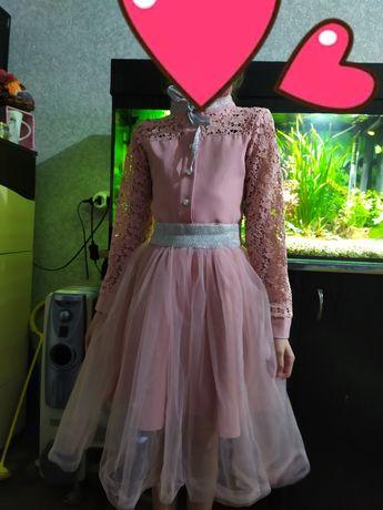 Платье 134 (800руб)