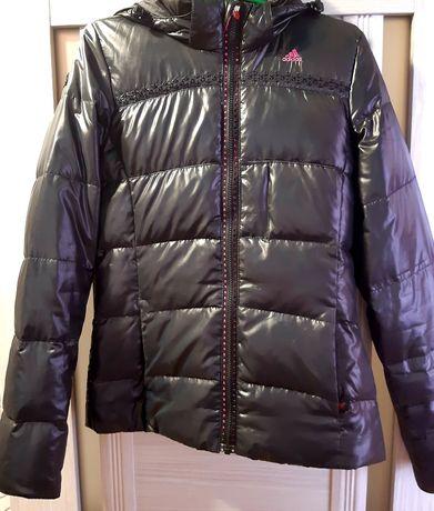Продам женскую курточку.