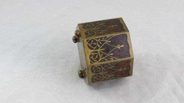 Copo Art Deco em raiz de nogueira e latão; Diâmetro-cm; Condição-boa