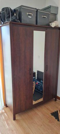Móveis Ikea - Roupeiro - Secretária e Estante