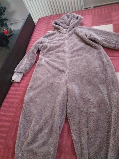 Piżama kombinezon L
