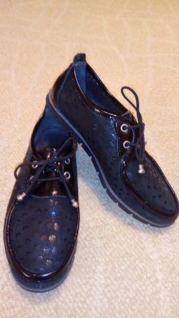 Кожаные туфли мокасины.