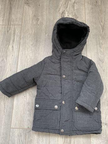 Продам детскую демисезонную курточку