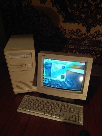 Комп'ютер (системний блок + монітор + клавіатура + мишка)