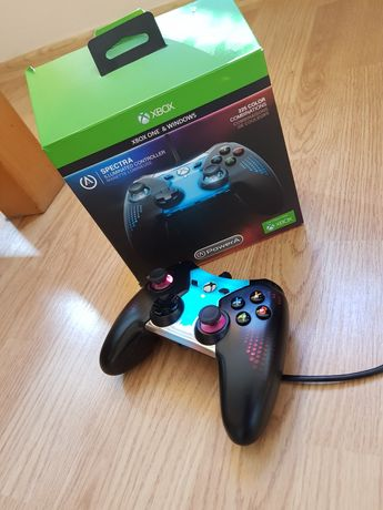 Pad SPECTRA Xbox One USB  podświetlany uszkodzony!
