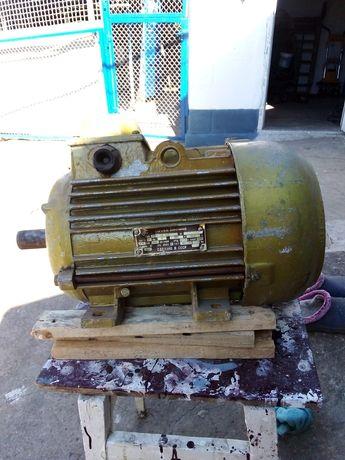 Продам элкктродвигатель 5.5Kw