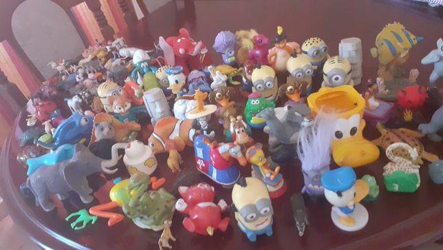 Varios lotes de brinquedos