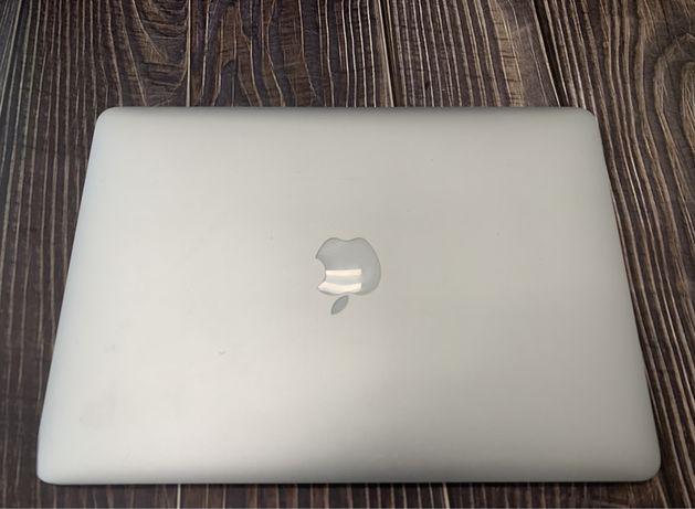 Apple MacBook Air 13 2013 A1466 1.4 GHz і5 4 gb 128Gb