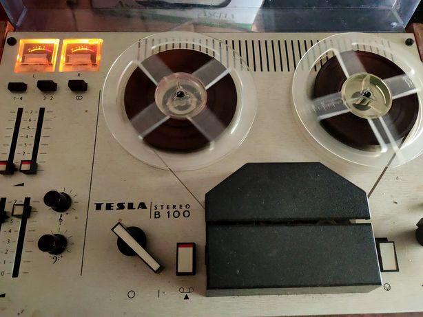 Stary magnetofon szpulowy Tesla stereo B100
