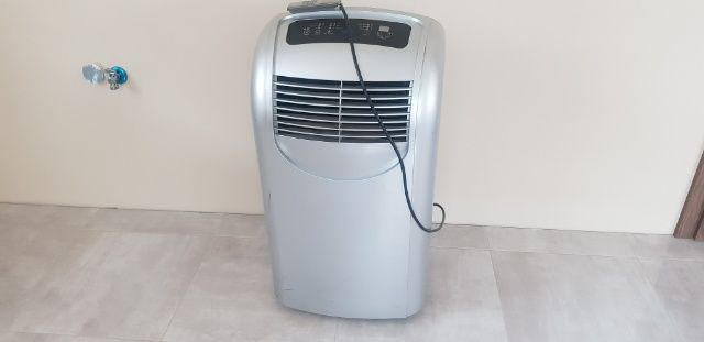 Klimatyzator  domowy przenośny + pilot + rura Klimatyzacja do 35 m2