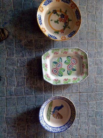 peças de faiança muito antigas