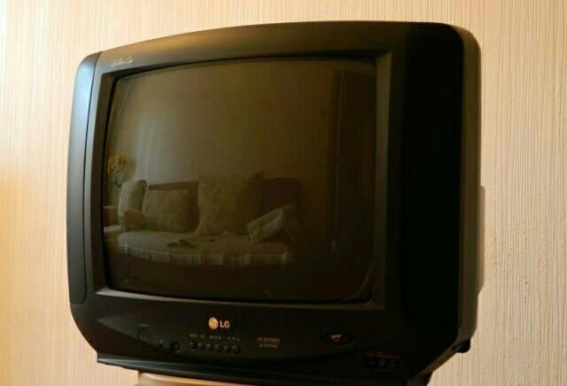 Телевизор LG 21 диагональ 1500 руб +доставка