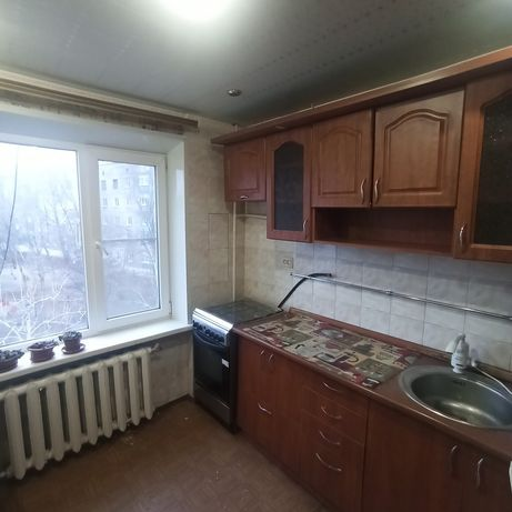 Продается 3-х комнатная квартира в центре, этаж 4/5.