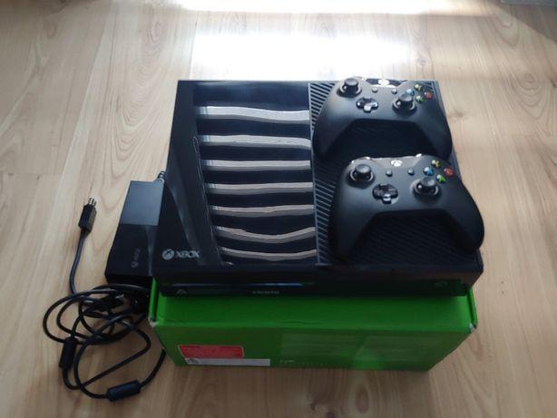 XBOX ONE 500gb + 2xPAD + gry