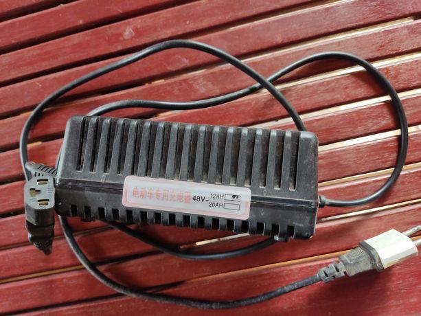 Зарядний пристрій до електро велосипеда 48В 12А