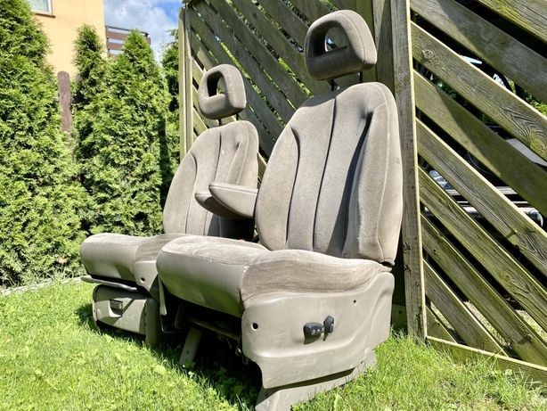 Fotele, siedzenia - Chrysler Voyager (Dodge, Van)