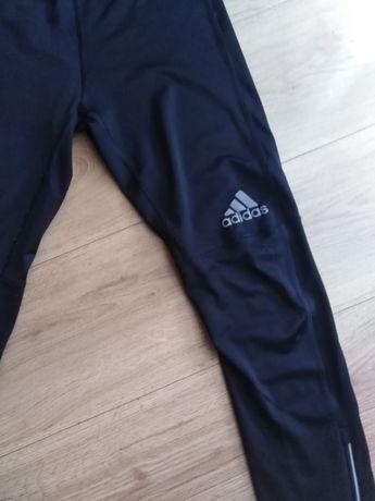 Oryginalne leginsy adidas na rower lub silownie
