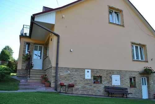 30-5.07 :: 5-8 osób Noclegi pokoje kwatery Bieszczady Polańczyk Solina