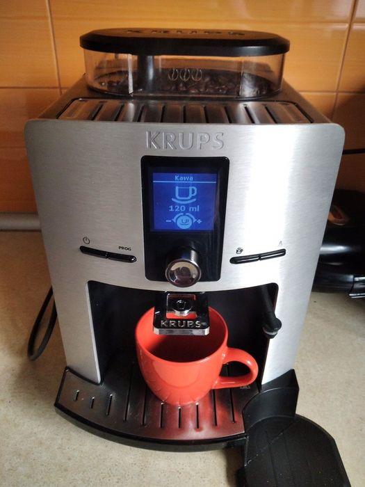 Ekspres do kawy KRUPS EA829D10 z funkcją cappuccino Zebrzydowice - image 1