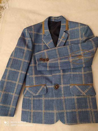 Пиджак на мальчика