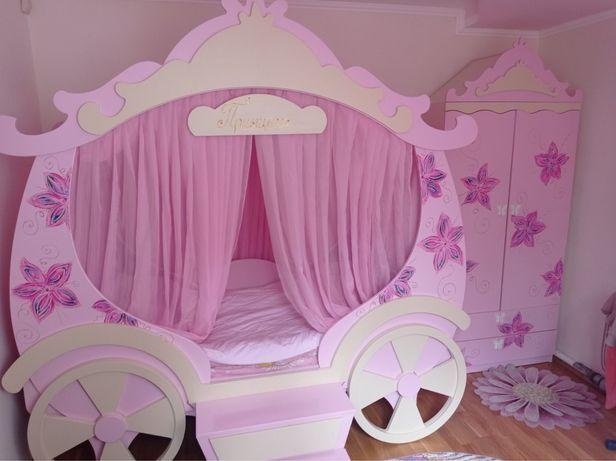 Продам детскую кровать Карету со шкафом