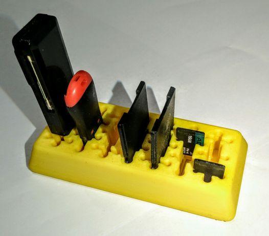 Organizer na pendrive, karty SD i karty microSD, nowy, funkcjonalny