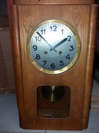 Zegar ścienny skrzyniowy