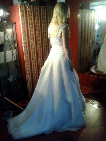 Nowa suknia ślubna r.38-40