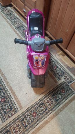 Продам детский транспорт толокар