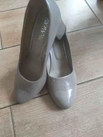 Туфлі лаковані шкіряні