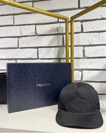 Кепка Prada