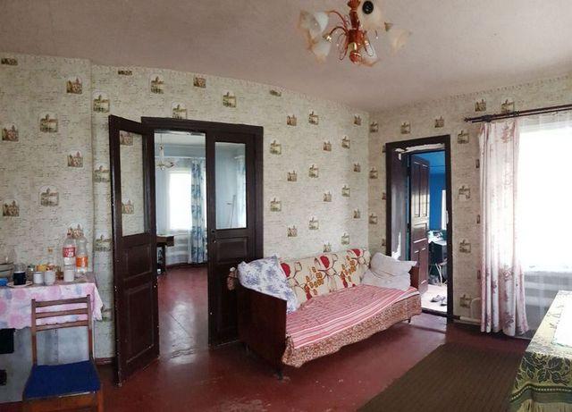 Продам недорого дом с газом в Боровой недалеко от Харькова