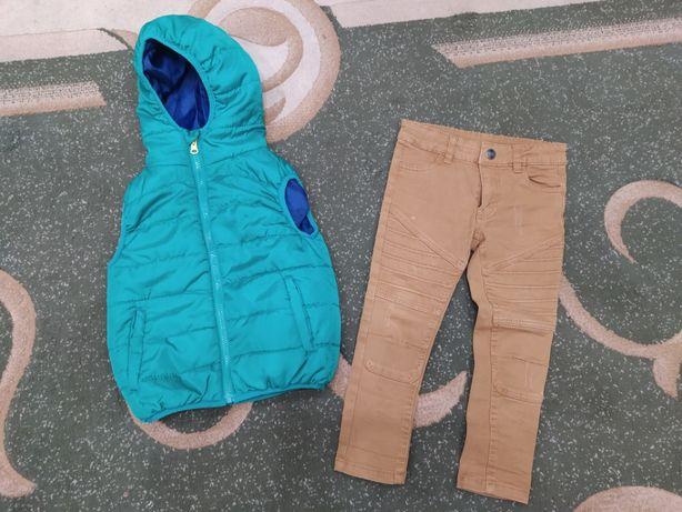 джинсы скини на мальчика 104 р. идеальное состояние.