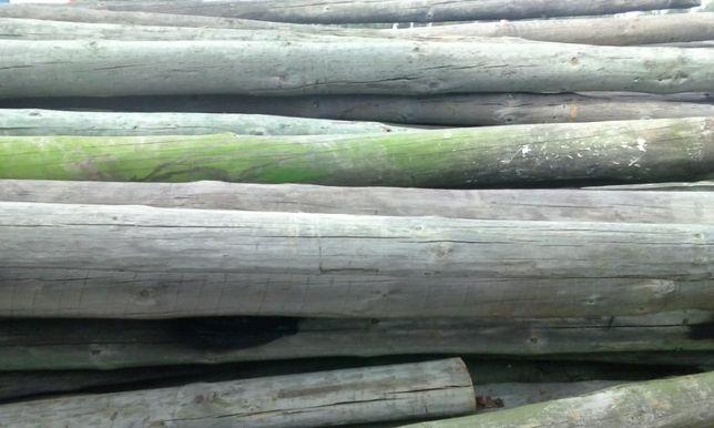 Vendo postes de madeira usados