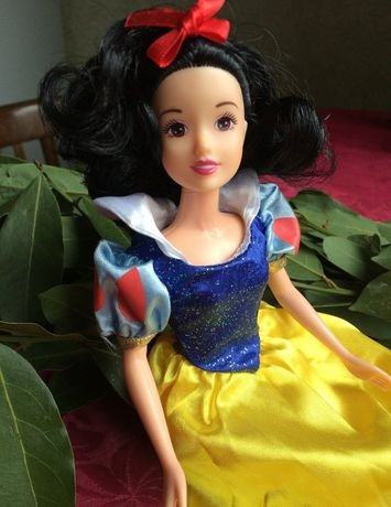 Disney. Куклы Белоснежка и Фердинанд