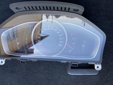 Licznik, predkościomierz, zegary Volvo V60, S60, XC60
