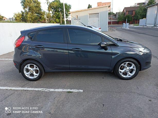 Продам Ford -Fiesta 2013 год