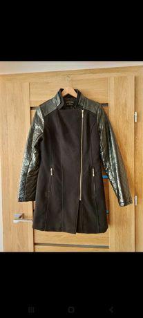 Płaszcz damski czarny rozmiar M