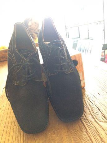 Sapatos pretos