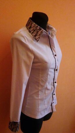 Elegancka biała bluzka z koronką