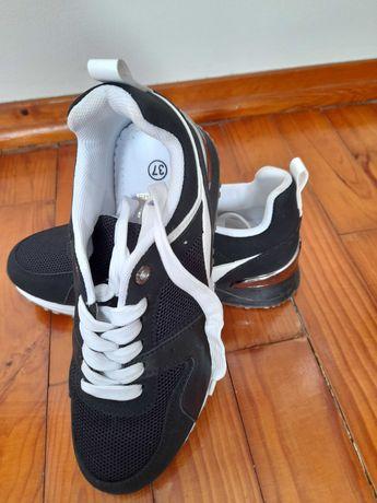 Calçado novo e usado