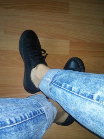 Кеды кроссовки чёрные фирменные