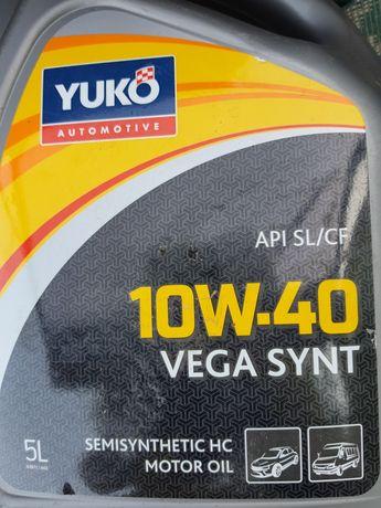 Масло Yuko  10w-40 полусинтетика 5 литров