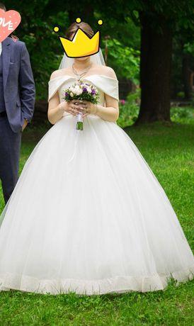 Продам шикарне весільне плаття!!