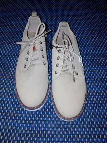 Sapatos novos tam.35